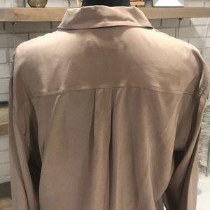Equipment Tops - Equipment Signature Silk Cocoa/Tan Top, Sz Large